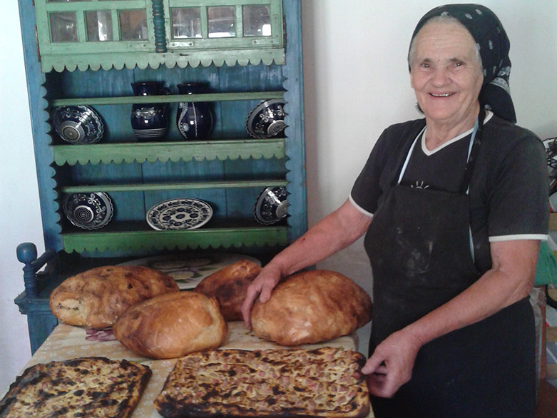 HAND-MADE-BREAD-AND-LICHIU_landscape